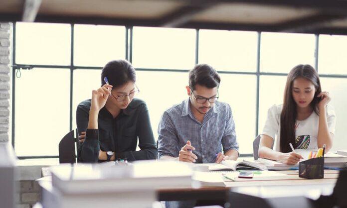 kuliah kelas karyawan di jakarta